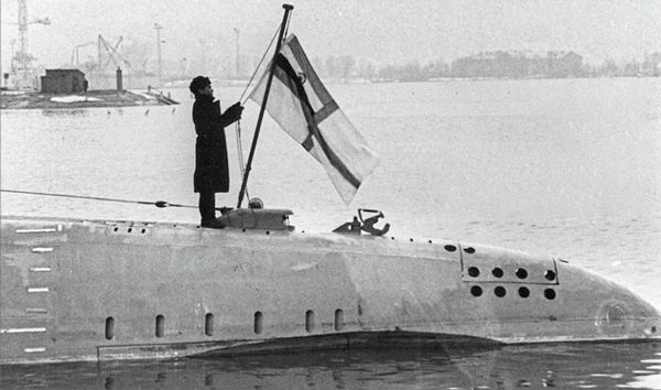 Story Of The Men That Sailed On-Board India's First Submarine - The INS Kalvari